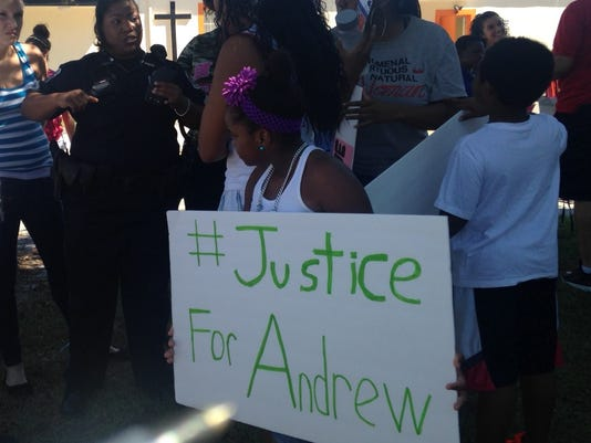 635493281320143034-fmpd-officer-faust-andrew-rally