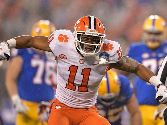 CHARLOTTE, NC - DECEMBER 01:  Isaiah Simmons #11 of the Clemson Tigers reacts against the Pittsburgh Panthers in the first quarter during their game at Bank of America Stadium on December 1, 2018 in Charlotte, North Carolina.  (Photo by Grant Halverson/Getty Images)