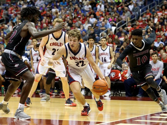 Veterans Memorial's Peyton Smith dribbles to the basket against Mansfield Timberview during the Class 5A state semifinal on Thursday, March 9, 2017, at the Alamodome in San Antonio.
