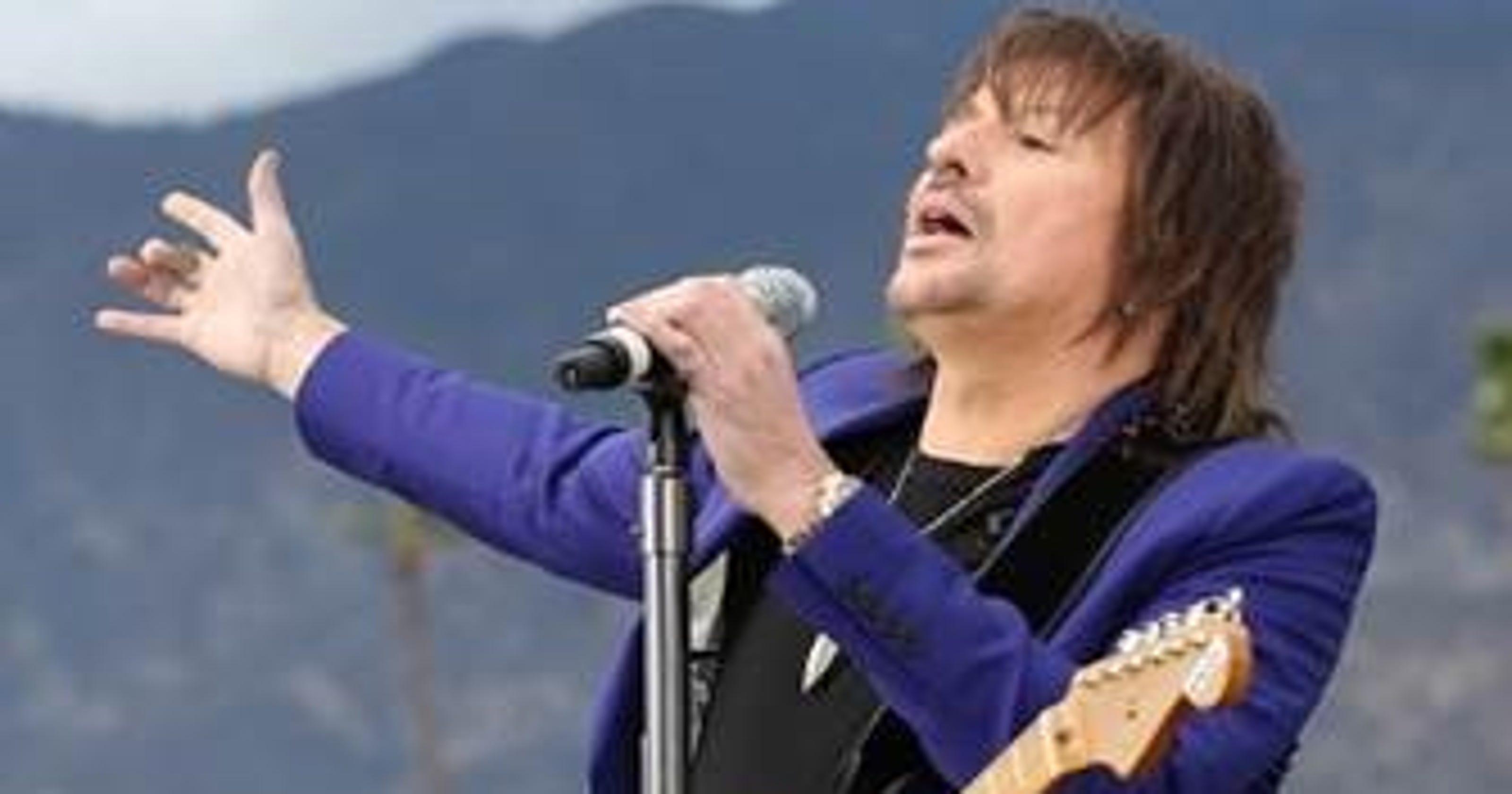 Video Richie Sambora Sings National Anthem