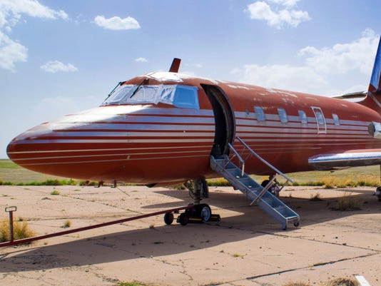 AP ELVIS PLANE AUCTION A ENT USA NM
