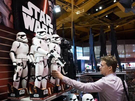 Star Wars Mechandise Promotes New Movie