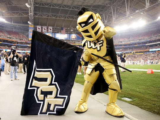Mascot Knightro of the UCF Knights.