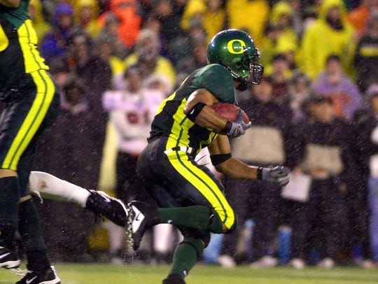 Oregon's Keenan Howry returned a punt for a touchdown