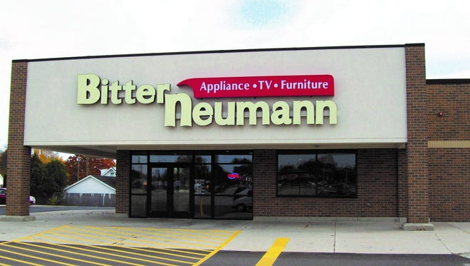 Manitowoc Bitter Neumann store, 2017.