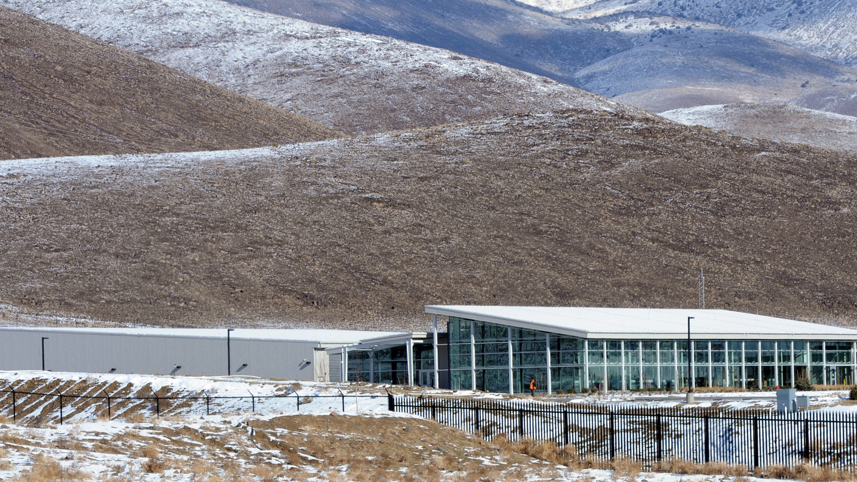 Apple announces 1 billion data center expansion east of reno for Piscine 3 05 x 0 91