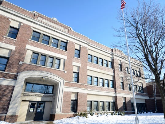 635585863395587135-Howe-Elementary-School