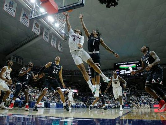 NCAA Basketball: Cincinnati at Connecticut