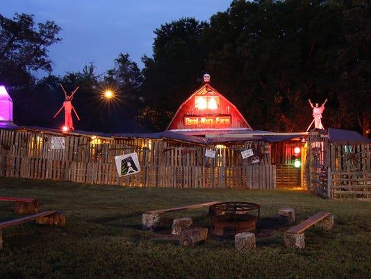 F-HauntedHouse-Barn