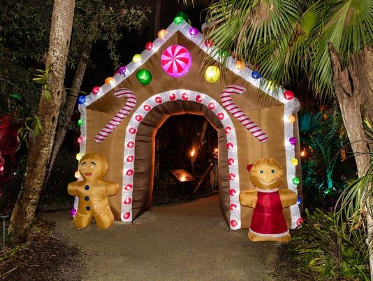 636492045567085672-lights-Gingerbread-House.jpg