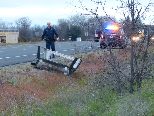 A solo vehicle traffic collision in Anderson left one