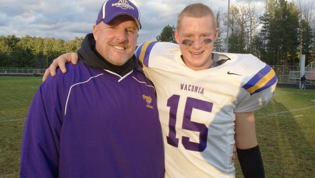 Minnesota tight end Maxx Williams with father Brian.