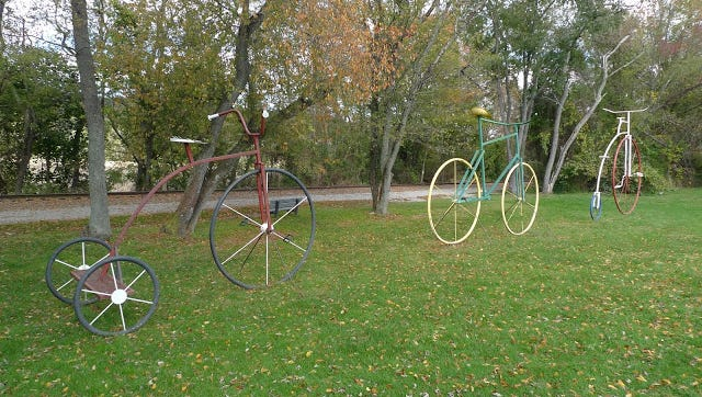 These sculptures, presented on the VeloPhoto York blog,  stand along the York County's main rail trail north of Seven Valleys.