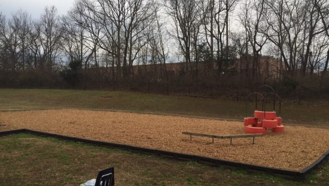 Franklin Elementary School parents are raising money to replace playground equipment.