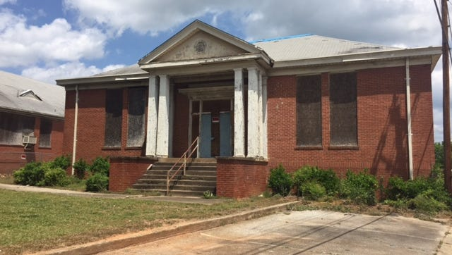 Greenville County Schools Trustees are expected to discuss the sale of the Berea school during its meeting tonight.