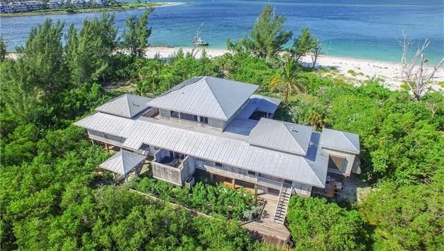 Herbert Kohler Jr. and Natalie Black have listed a 4,400-square-foot Florida vacation home sale for $5.7 million.