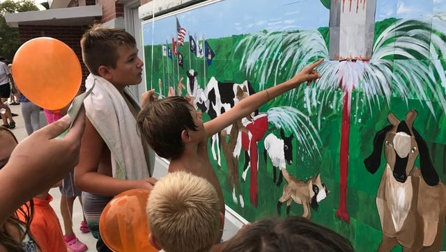 A new mural was unveiled Wednesday in St. Johns.