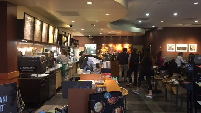 A popular Starbucks Coffee house in the Rookwood Commons & Pavilion in Norwood will close for two weeks for a facelift.