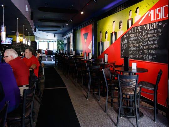 Happy Hour at Splash Martini Bar in Oconomowoc on Monday,