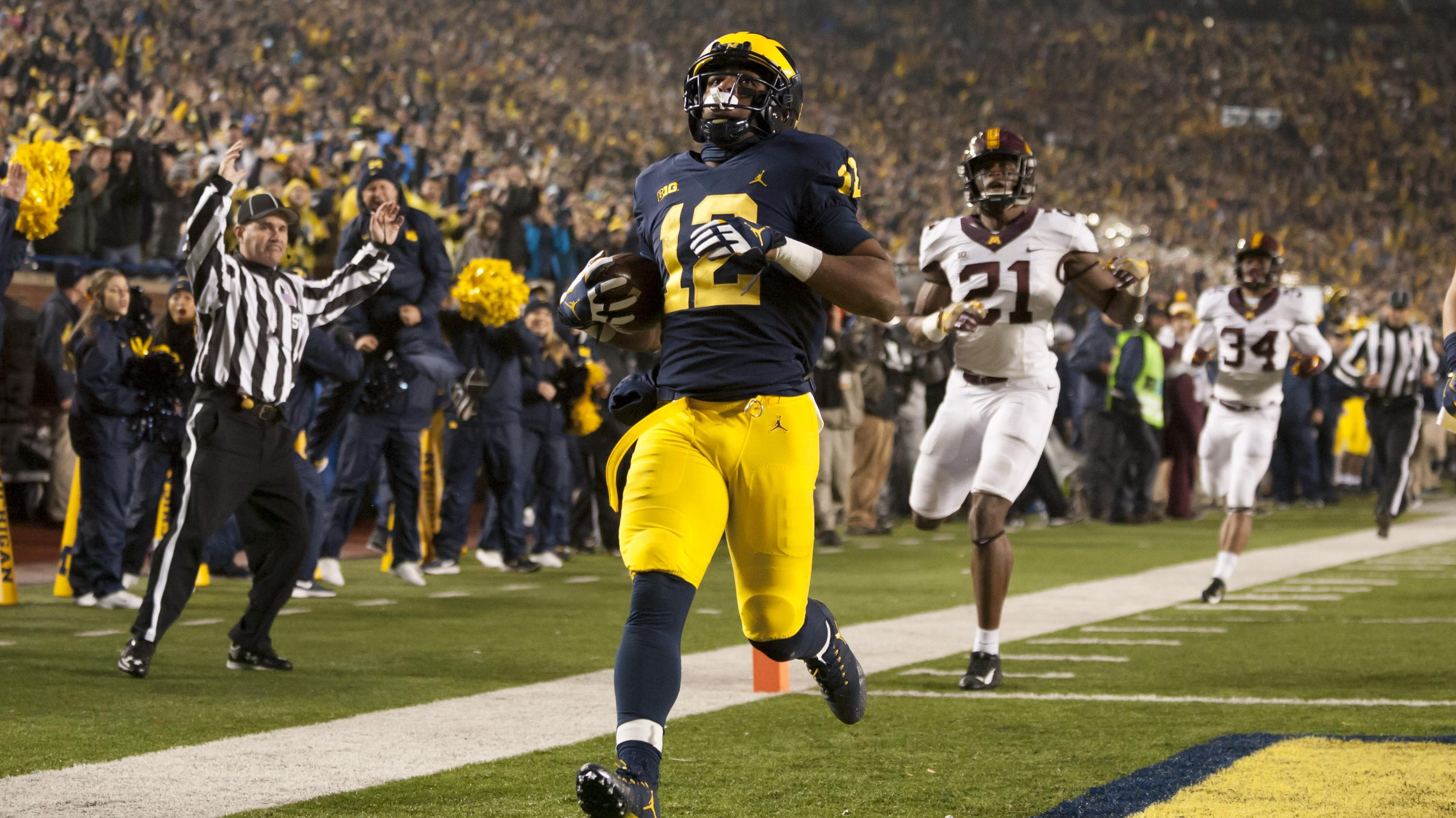ef849ee5a Michigan running game excels in win over Minnesota (4.10 14)