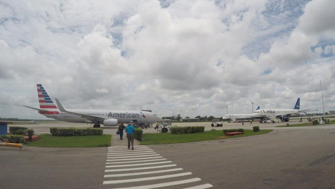 Senate panel votes to ease Cuba travel
