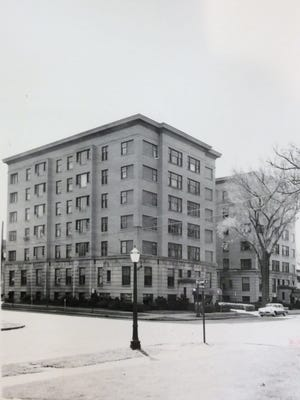 The exterior of the Porter Hotel, May 1960.