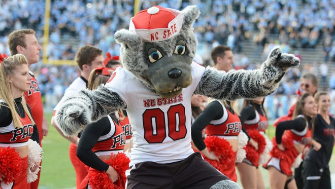 North Carolina State Wolfpack mascot Mr. Wuf will be in Shreveport for the Independence Bow.