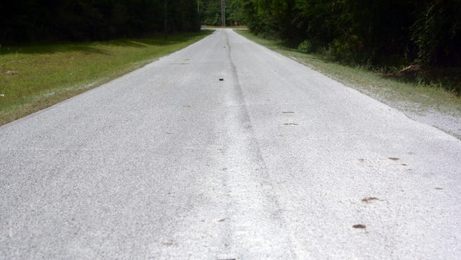 Scrub seal work is in progress at the Jervis Mims Road, Poplar Loop Road and Old Hickory Road area.