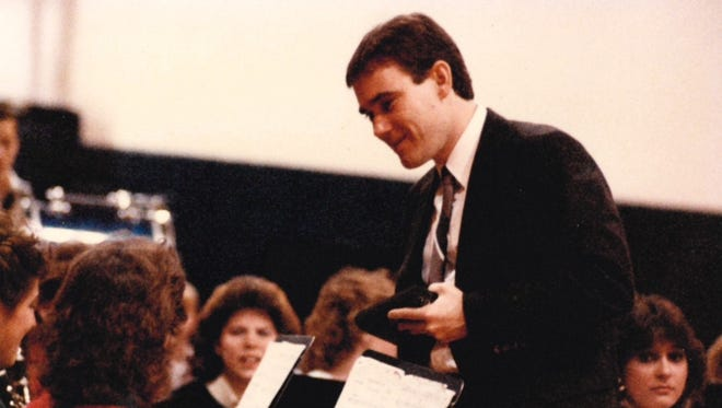 Bill Maxwell addresses students during one of his classes in the early 1980s.