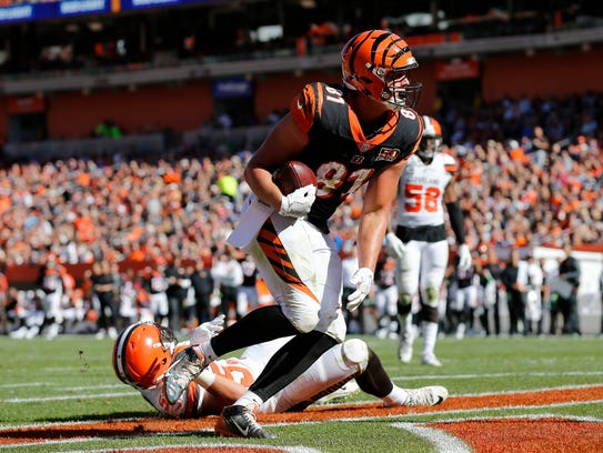 Cincinnati Bengals tight end Tyler Kroft (81) gets