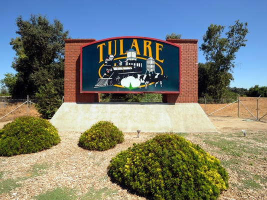 tulare welcome sign.jpg