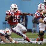 Louisiana Tech running back Kenneth Dixon (28) returns to the Bulldogs for his senior season.