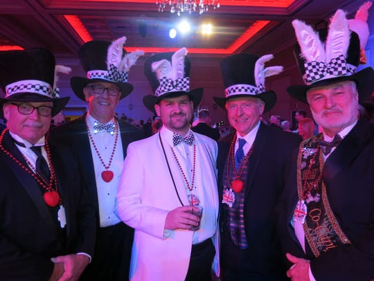 Tip of their hats to you at the des Ambassadeurs Grand