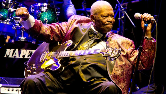 BB King performs at Club Nokia on November 11, 2011 in Los Angeles.