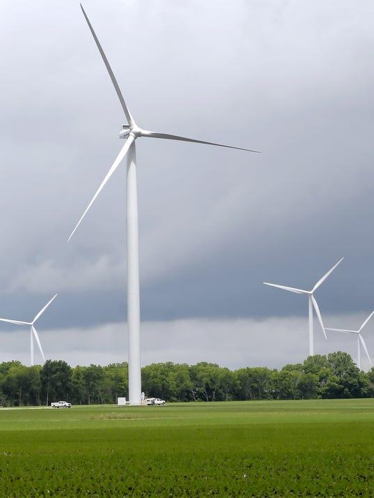 LAFBer_12-28-2013_JC_1_A001~~2013~12~27~IMG_090611_news_windfarm_1_1_KR61D72.jpg
