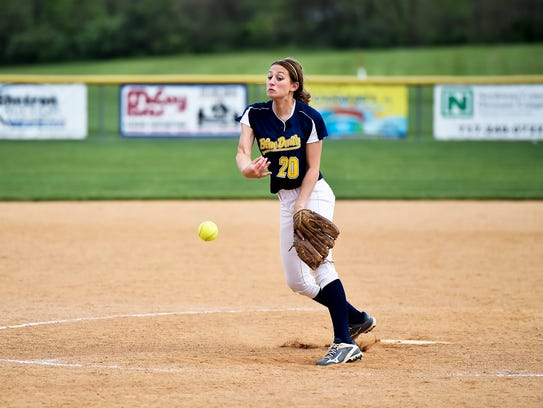 Liz Ward pitches for Greencastle during the Mid Penn
