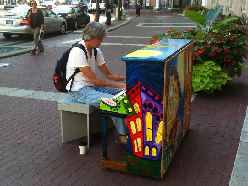pianophoto0811.jpg