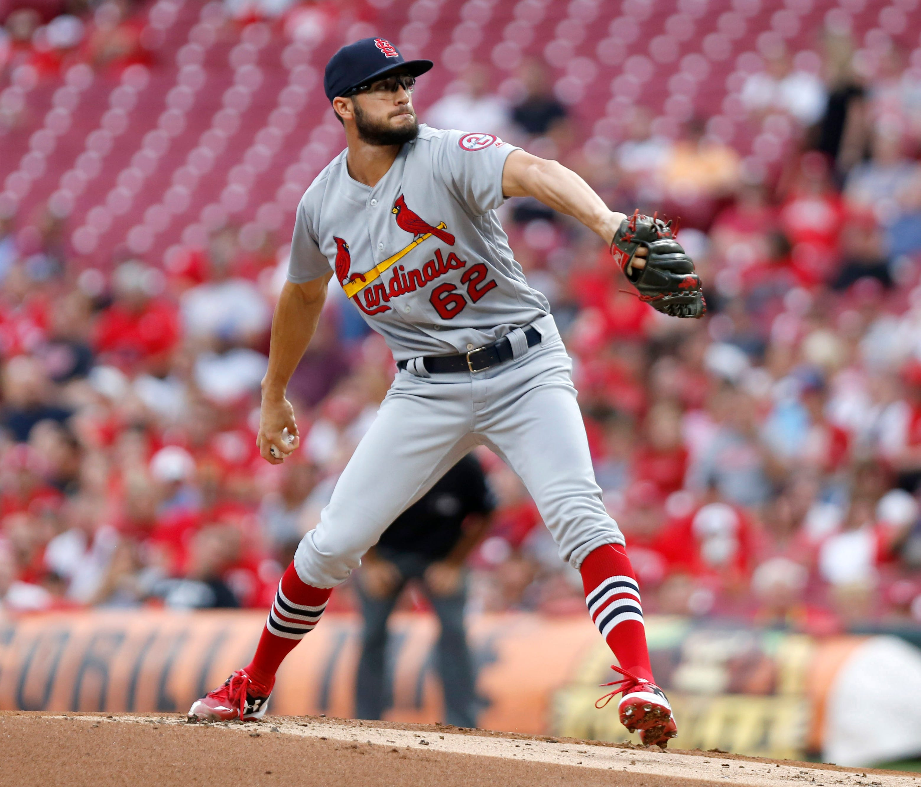 Cardinals pitcher Daniel Poncedeleon held the Reds hitless through seven innings Monday in his first major league appearance.