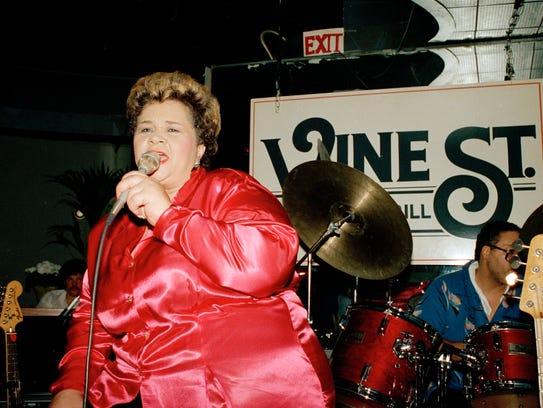 Singer Etta James performs at the Vine St. Bar & Grill