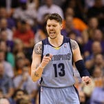 PHOENIX, AZ - APRIL 14:  Mike Miller #13 of the Memphis Grizzlies reacts during the NBA game against the Phoenix Suns at US Airways Center on April 14, 2014 in Phoenix, Arizona.  The Grizzlies defeated the Suns 97-91. NOTE TO USER: User expressly acknowledges and agrees that, by downloading and or using this photograph, User is consenting to the terms and conditions of the Getty Images License Agreement.  (Photo by Christian Petersen/Getty Images) *** Local Caption *** Mike Miller