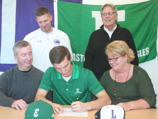 Lakeview's Nate Jones signs his National Letter of