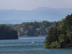 Cause of death remains unknown for man found on Lake Keowee shoreline
