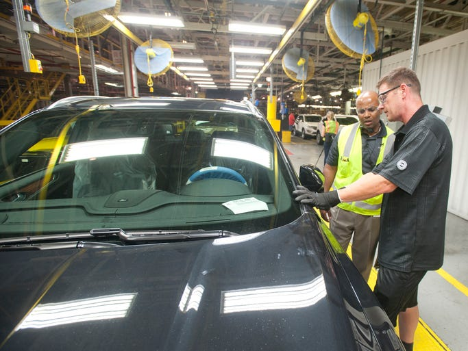 Gallery lincoln mkc production at the louisville for Ford motor company employee login
