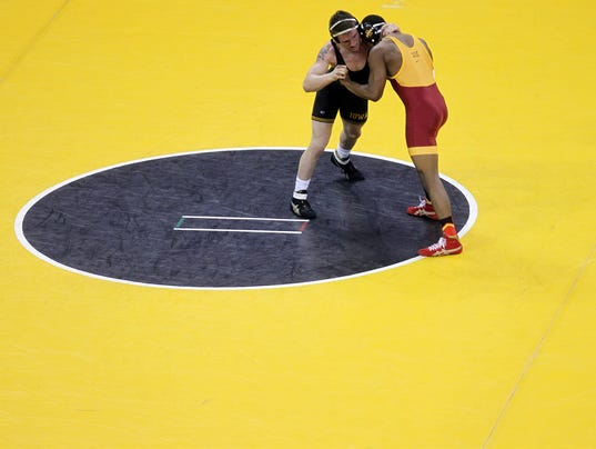 IOW 1130 Iowa wrestling vs ISU 09.jpg