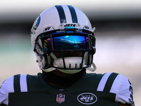 New York Jets safety Jamal Adams (33) warms up before a game against the Carolina Panthers at MetLife Stadium on Nov 26, 2017 in East Rutherford.