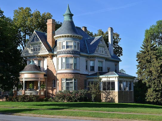 Visit 7 Pretty Inns Along The Mississippi River In Iowa