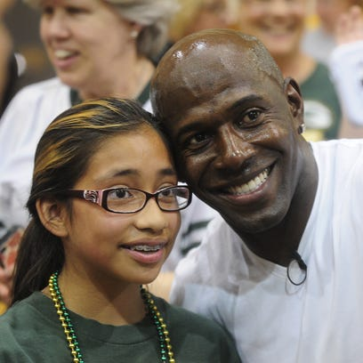 Donald Driver at Riverside Elementary Friday in Fond