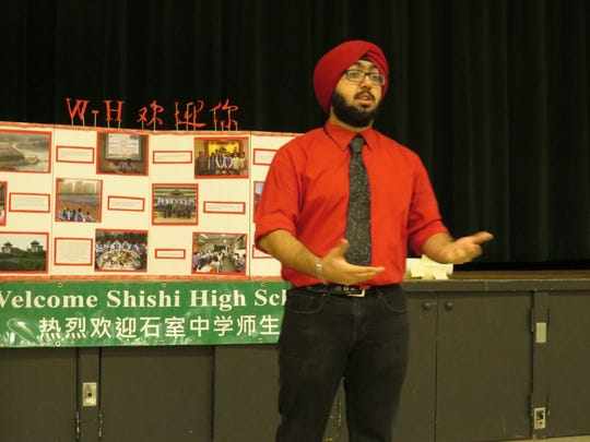 Simu Singh of Monroe moderates an Upper School discussion.