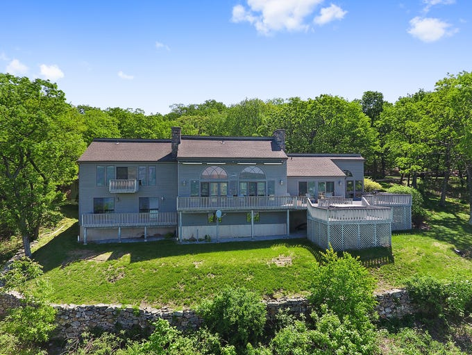 A mountain estate on 11 acres in Garrison to be auctioned