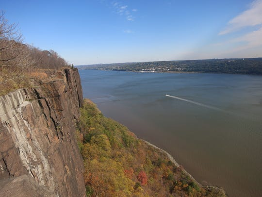 The Hudson River facing north from the Palisades.